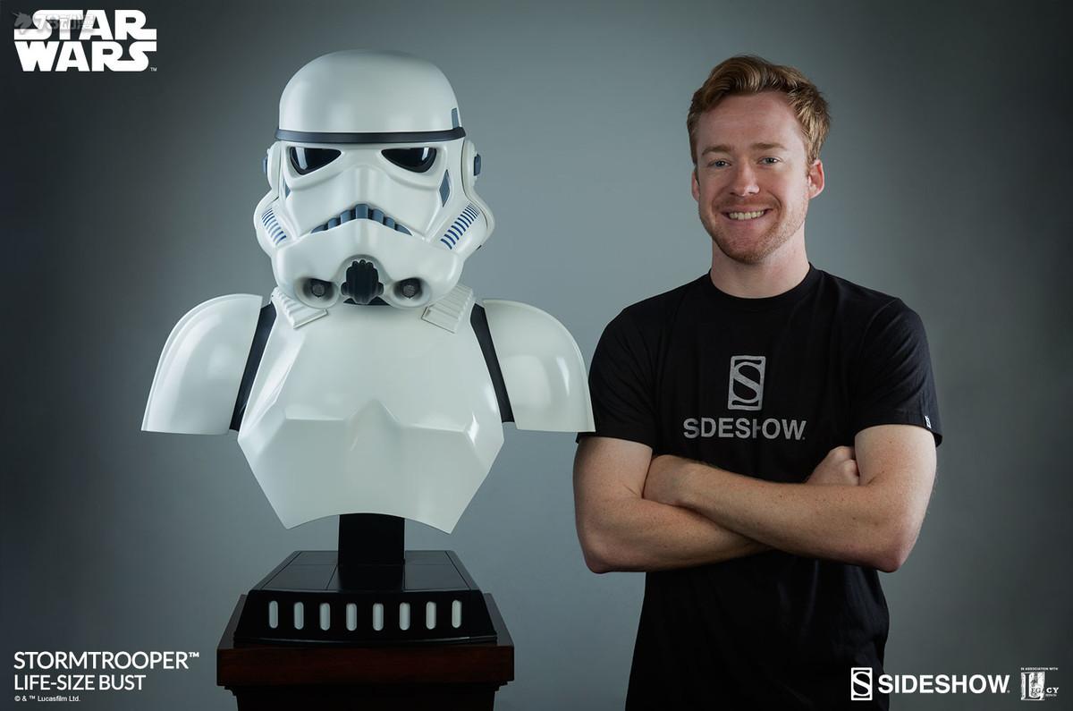 star-wars-stormtrooper-life-size-bust-sideshow-400076-21.jpg