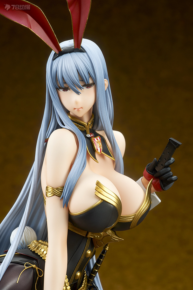 valkyria_duel_chronicles_selvaria_bles_bunny_spy_ver_photo_02.jpg