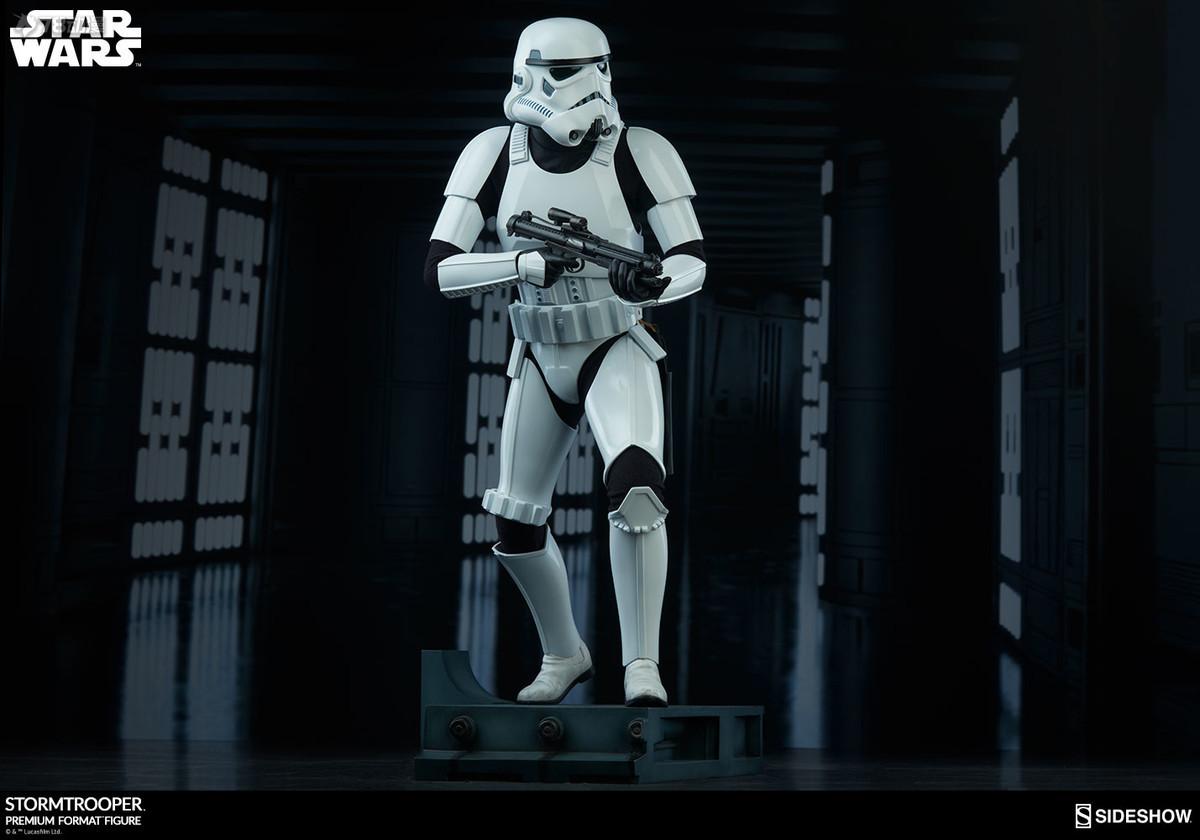 Sideshow-Stormtrooper-Statue-004.jpg