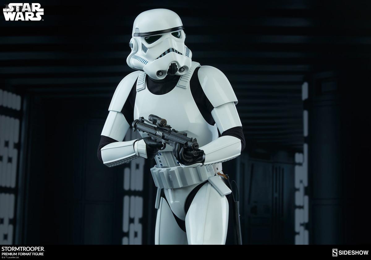 Sideshow-Stormtrooper-Statue-003.jpg