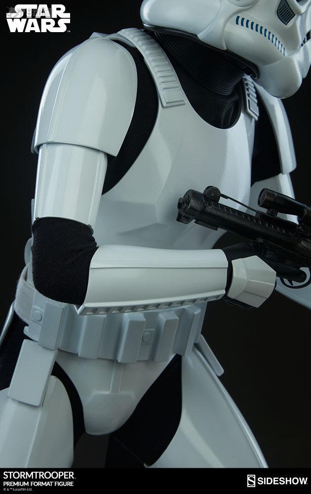 Sideshow-Stormtrooper-Statue-014.jpg