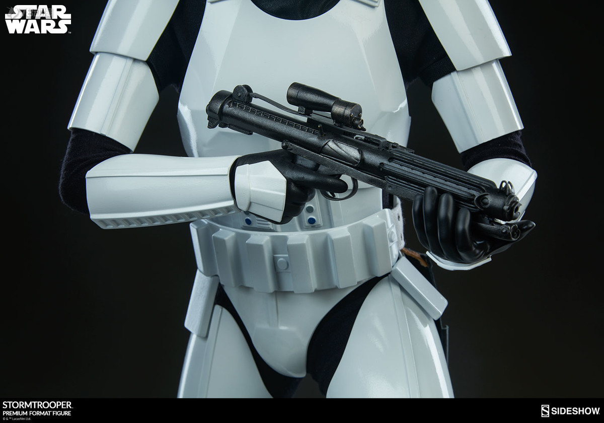 Sideshow-Stormtrooper-Statue-015.jpg