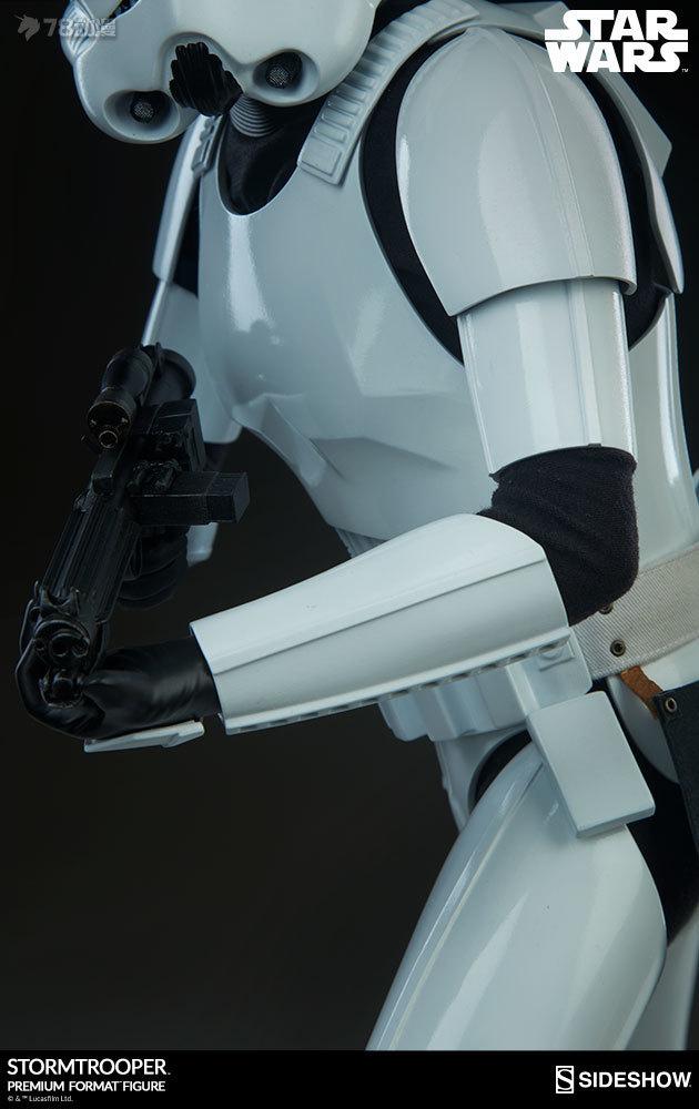 Sideshow-Stormtrooper-Statue-016.jpg