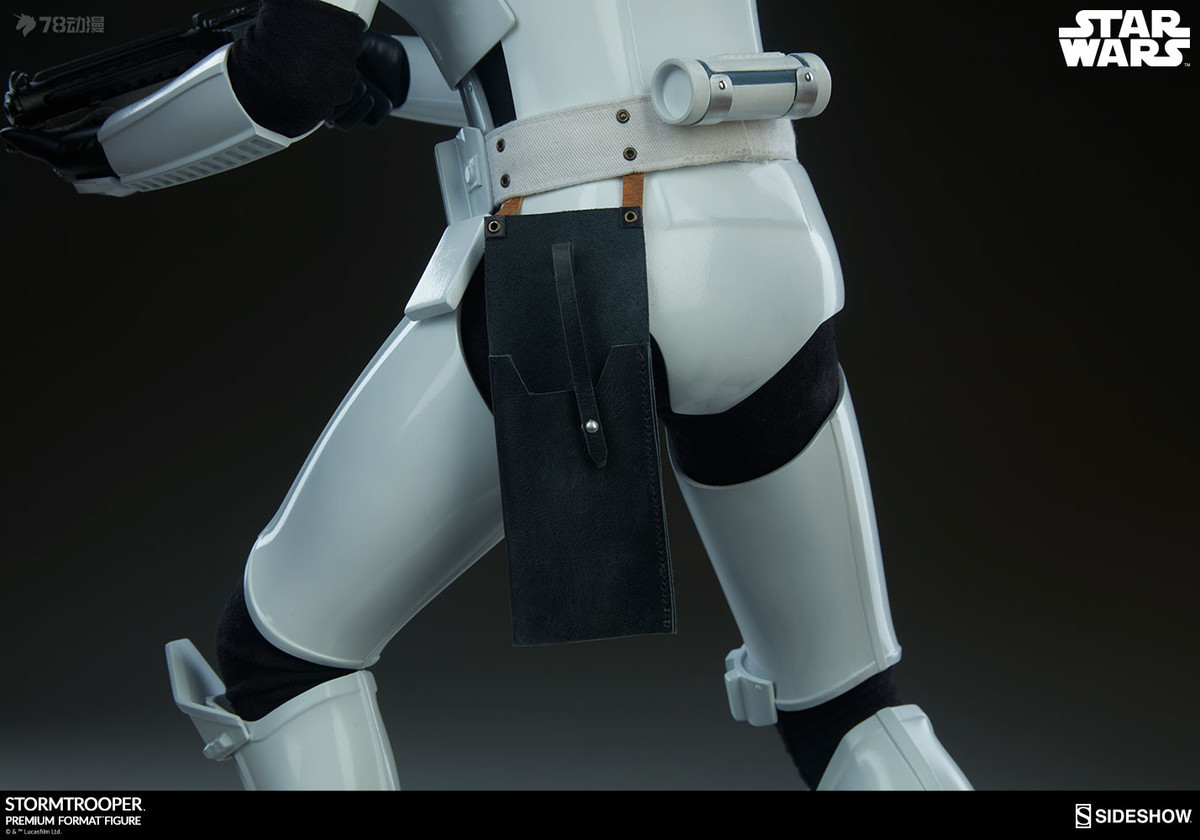 Sideshow-Stormtrooper-Statue-018.jpg