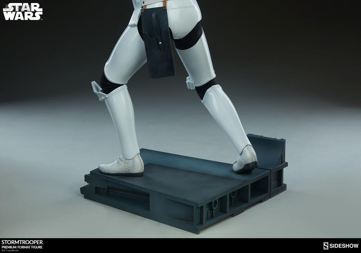 Sideshow-Stormtrooper-Statue-021.jpg