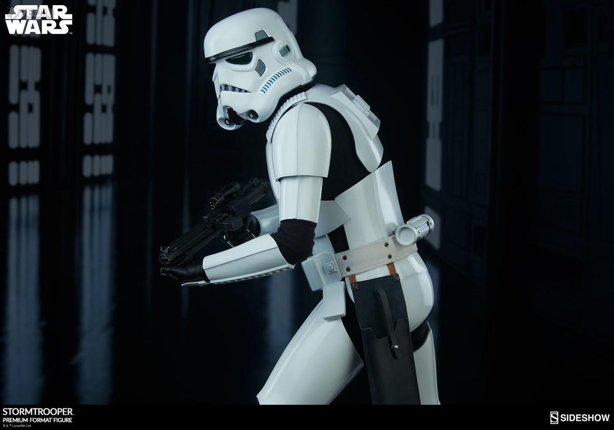 Sideshow-Stormtrooper-Statue-022.jpg