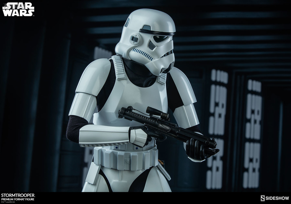 Sideshow-Stormtrooper-Statue-023.jpg