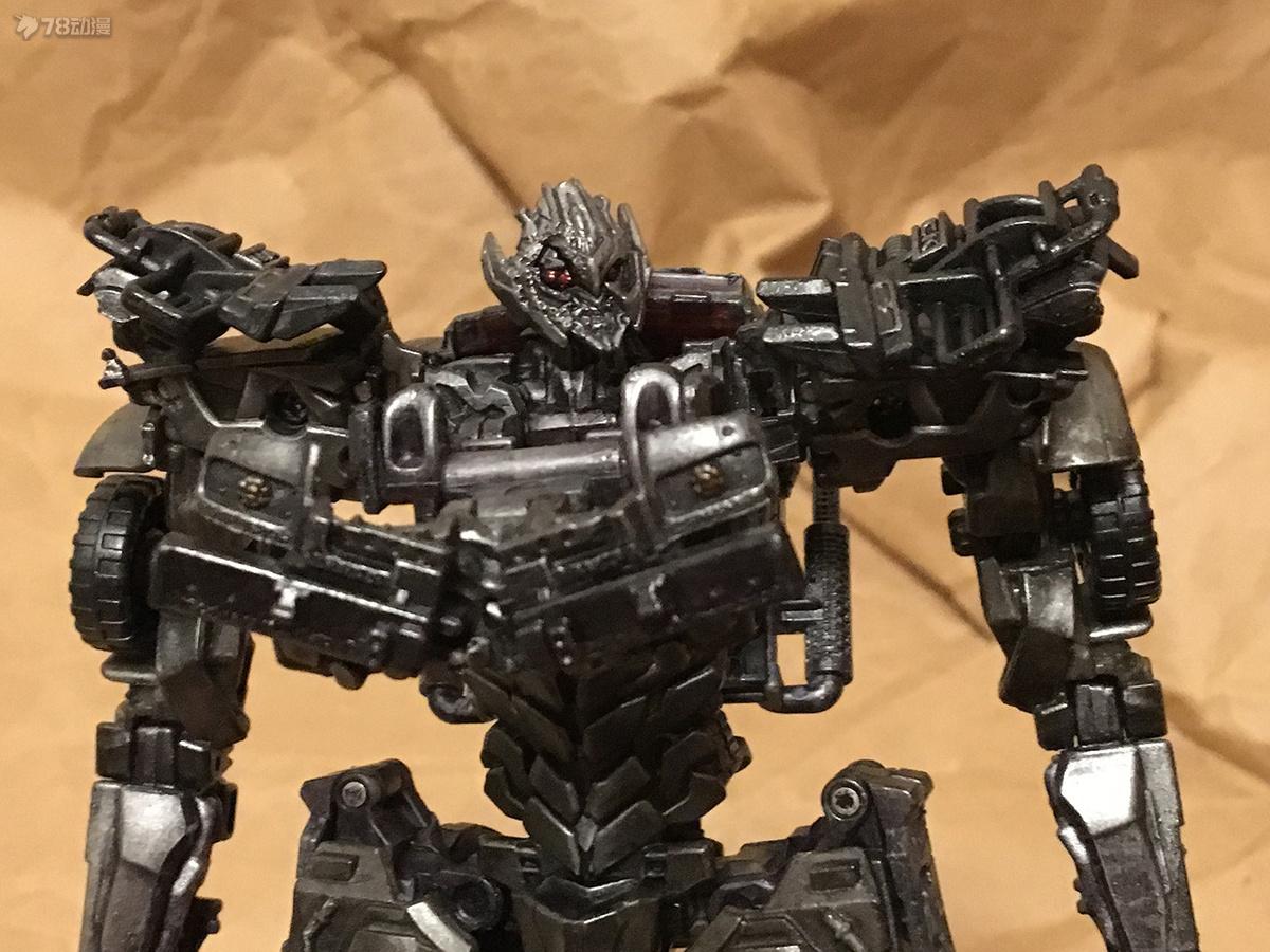 DOTM Megatron 09.JPG
