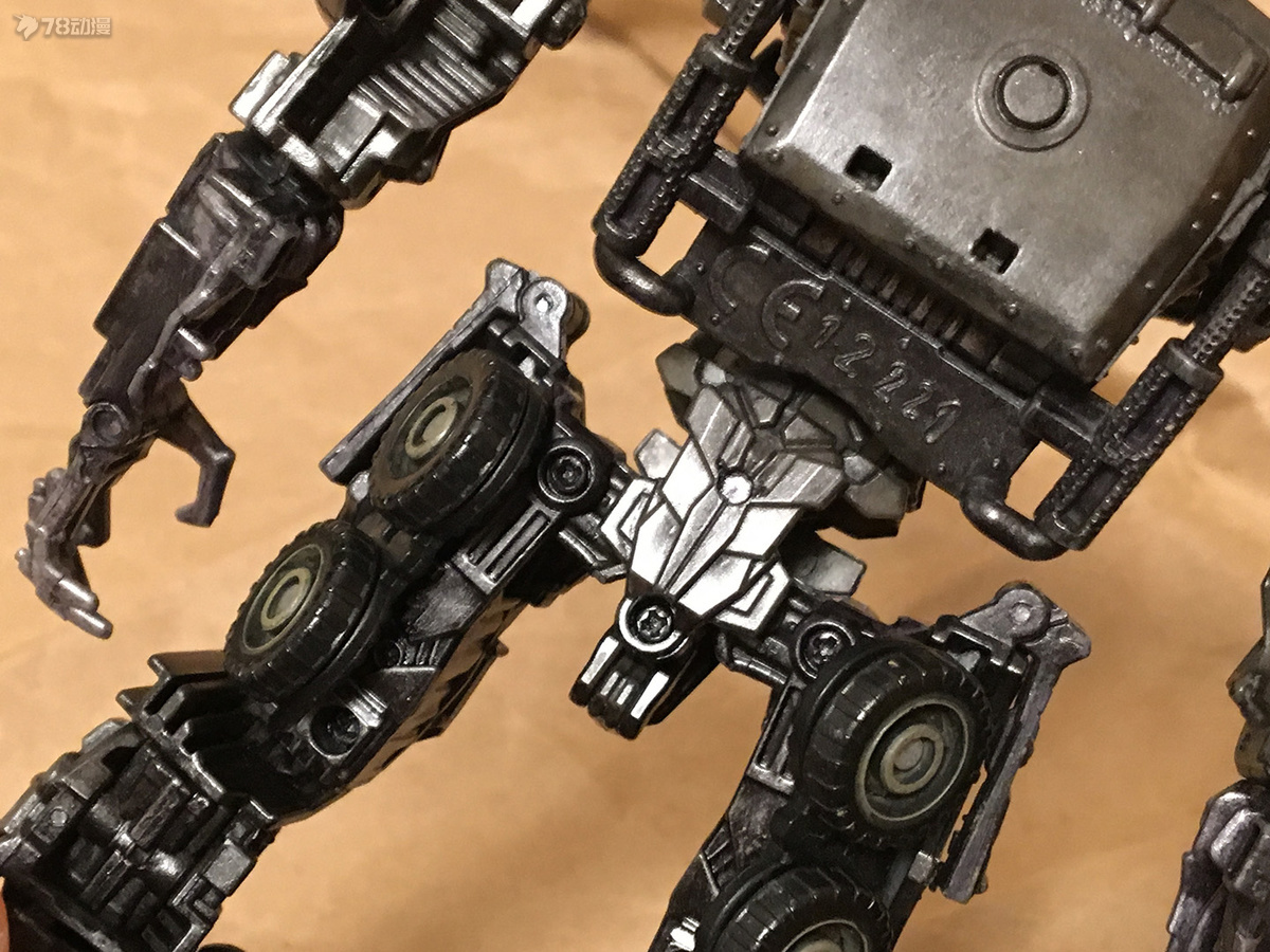 DOTM Megatron 32.JPG