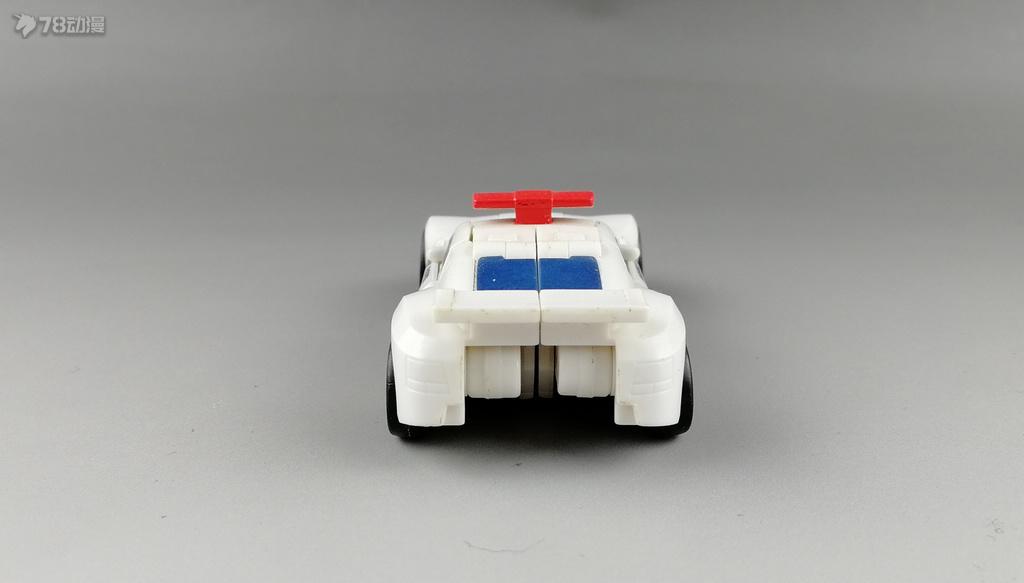 警车004.jpg